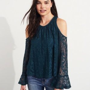 Gorgeous lace detailed top
